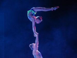 """Theatershow """"Seven"""" Sportacrobatiek Zwolle (SAZ) groot succes"""